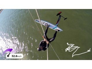 kitefoil_jump_moses_fluente